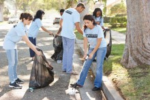 volunteers-picking-garbage